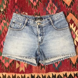 Vintage 90s high rise Mom Jean Shorts